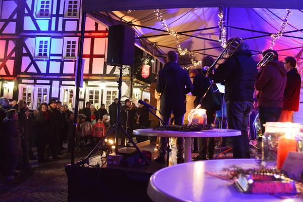 Weihnachtsmarkt Flecken Eröffnung Foto: Henning Prill   25-11-16